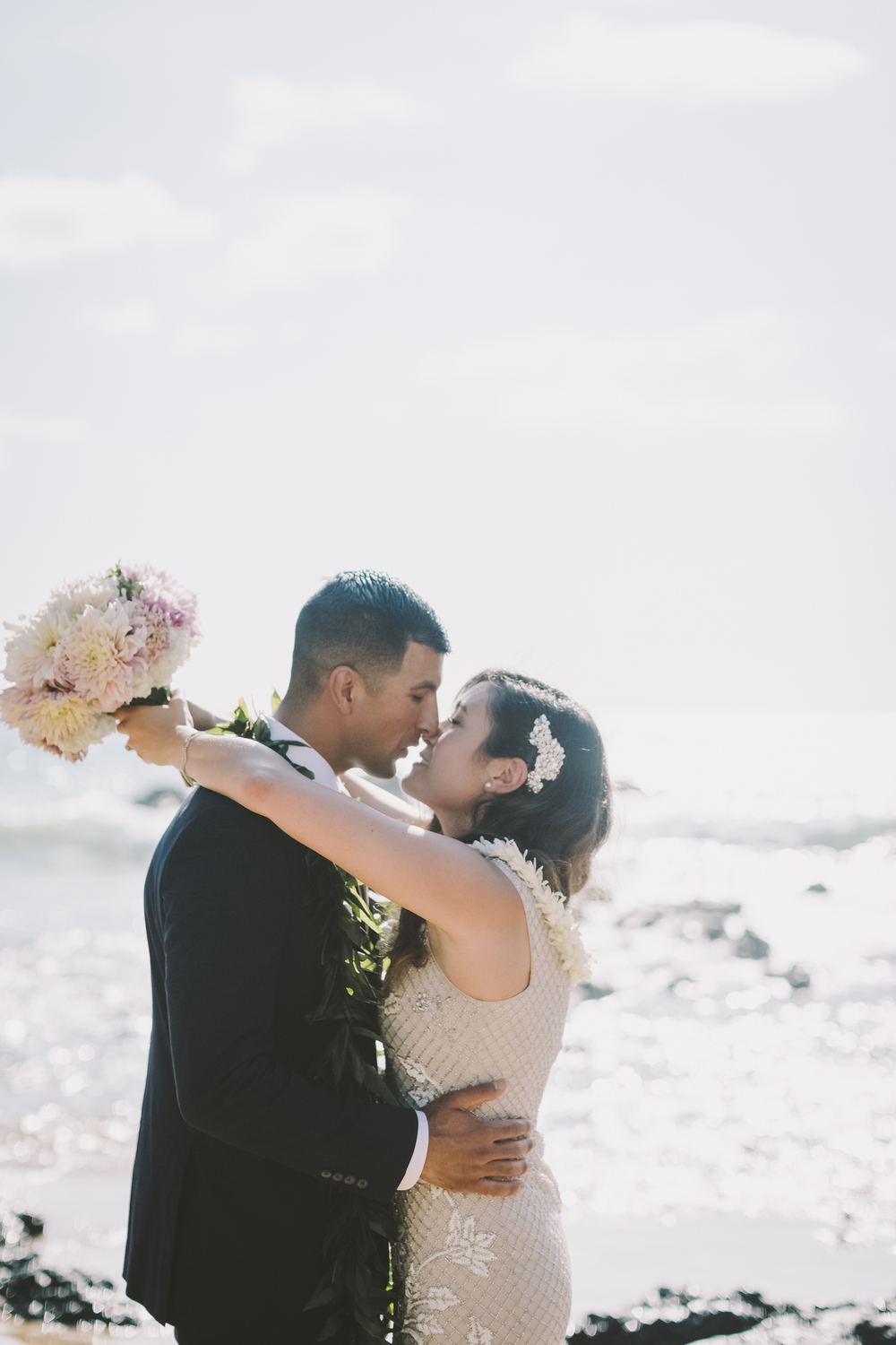 angie-diaz-photography-mokapu-beach-maui-elopement-34.jpg