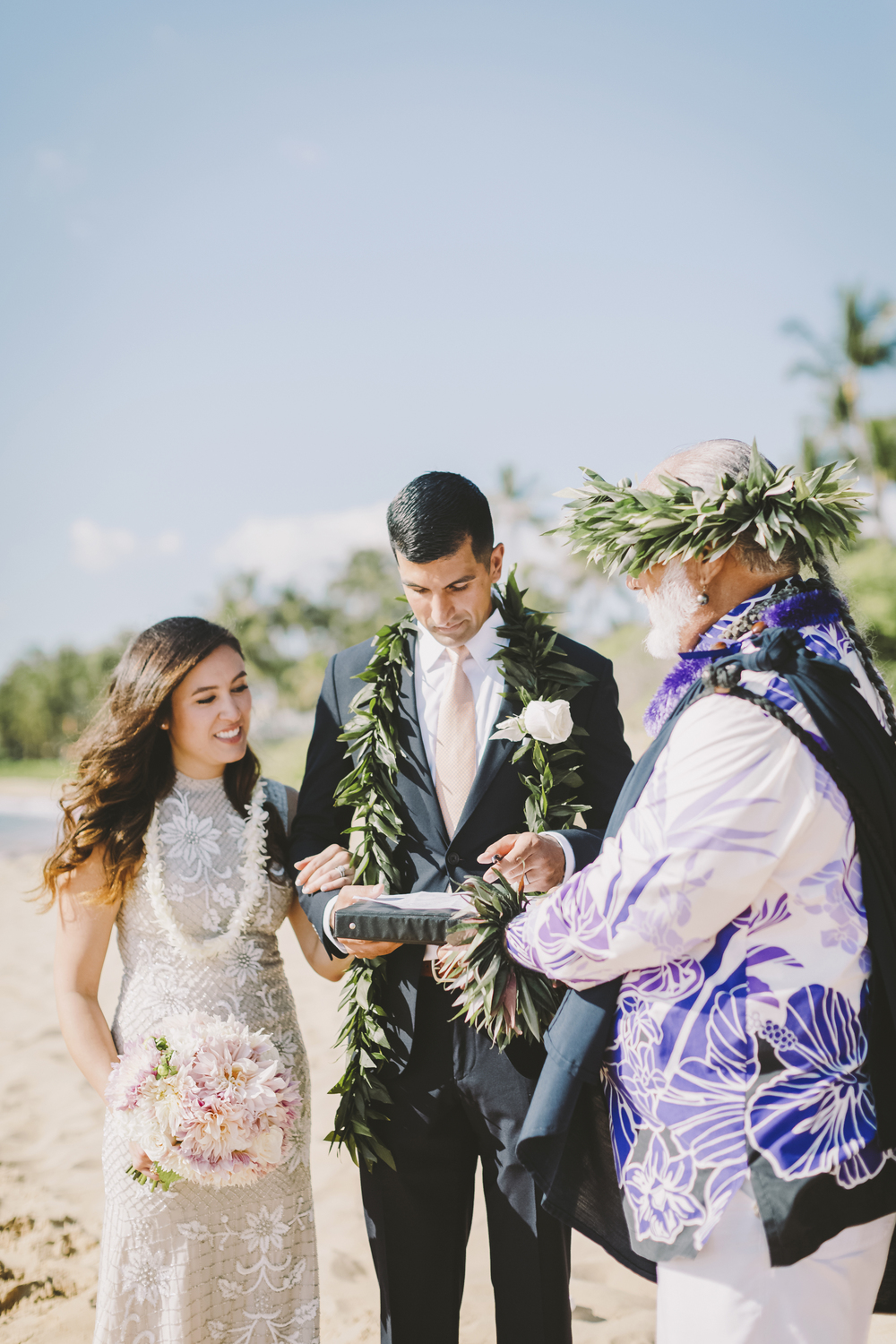 angie-diaz-photography-mokapu-beach-maui-elopement-36.jpg