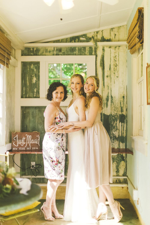 angie-diaz-photography-maui-wedding-38.jpg
