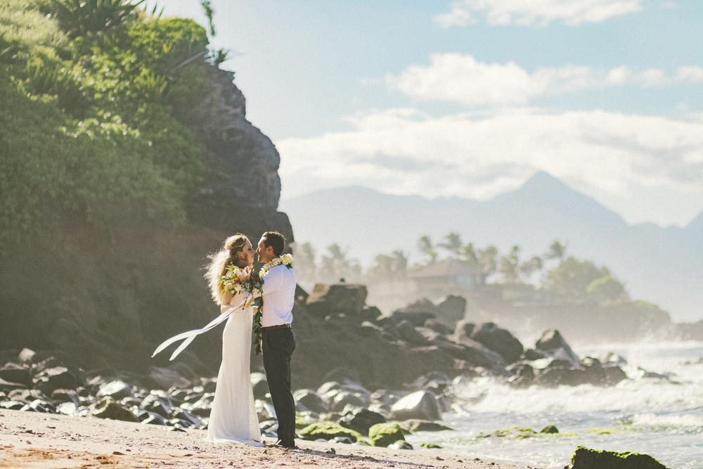 angie-diaz-photography-maui-wedding-84.jpg