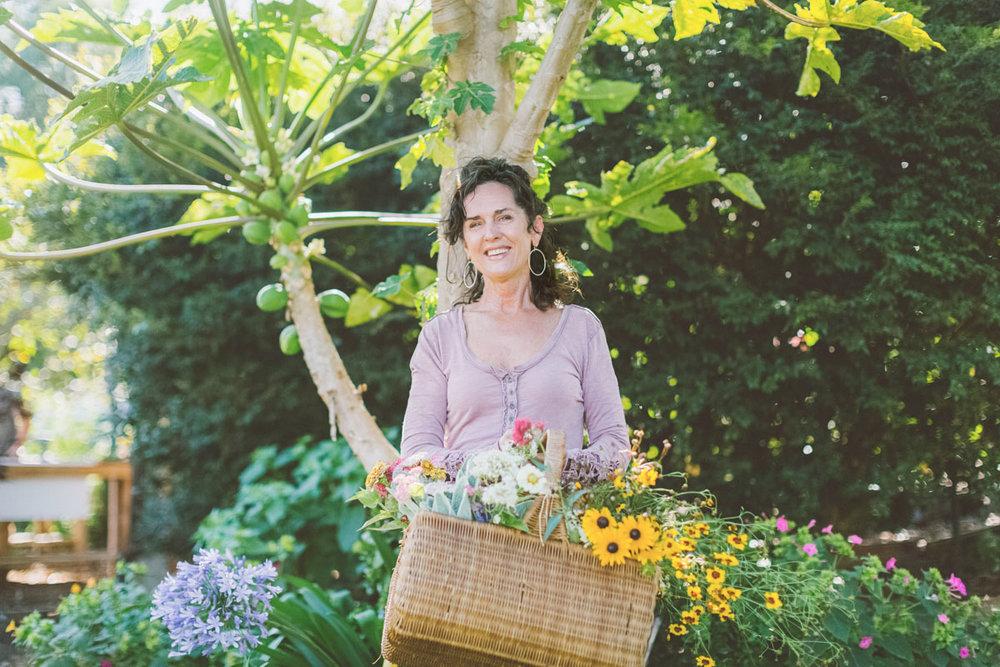 Teresa Sena Maui floral designer by Angie Diaz Photography