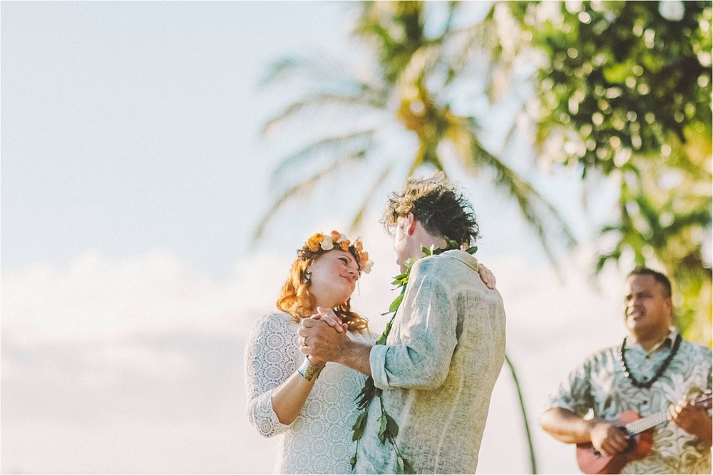 angie-diaz-photography-maui-beach-elopement_0020.jpg