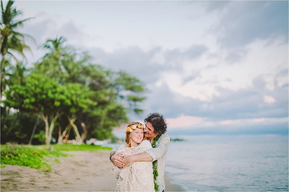 angie-diaz-photography-maui-beach-elopement_0057.jpg