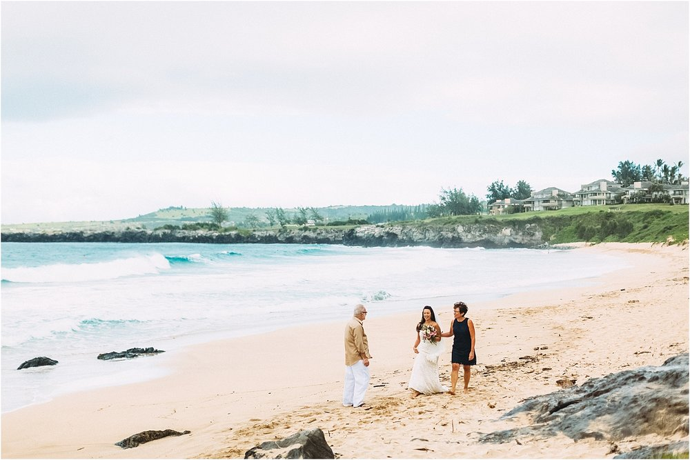 angie-diaz-photography-maui-wedding-ironwoods-beach_0020.jpg