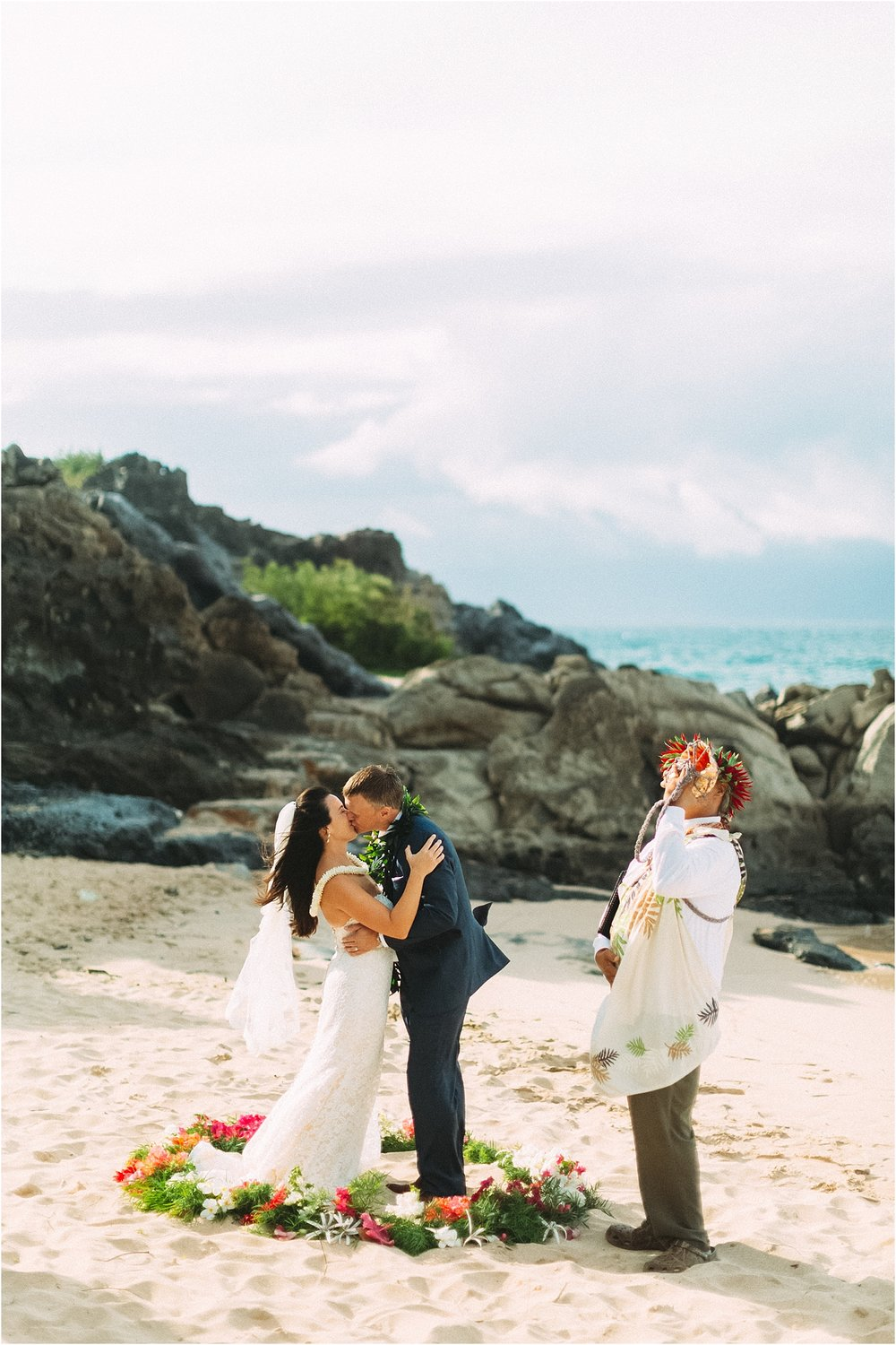 angie-diaz-photography-maui-wedding-ironwoods-beach_0028.jpg