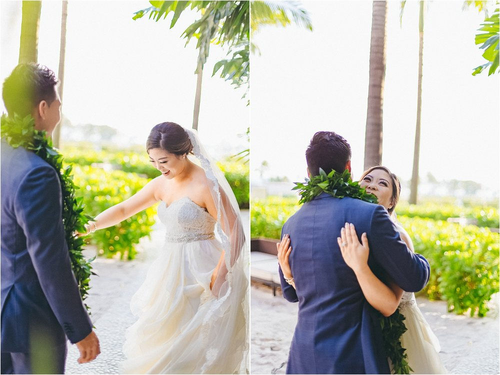 angie-diaz-photography-modern-honolulu-oahu-destination-wedding_0055.jpg