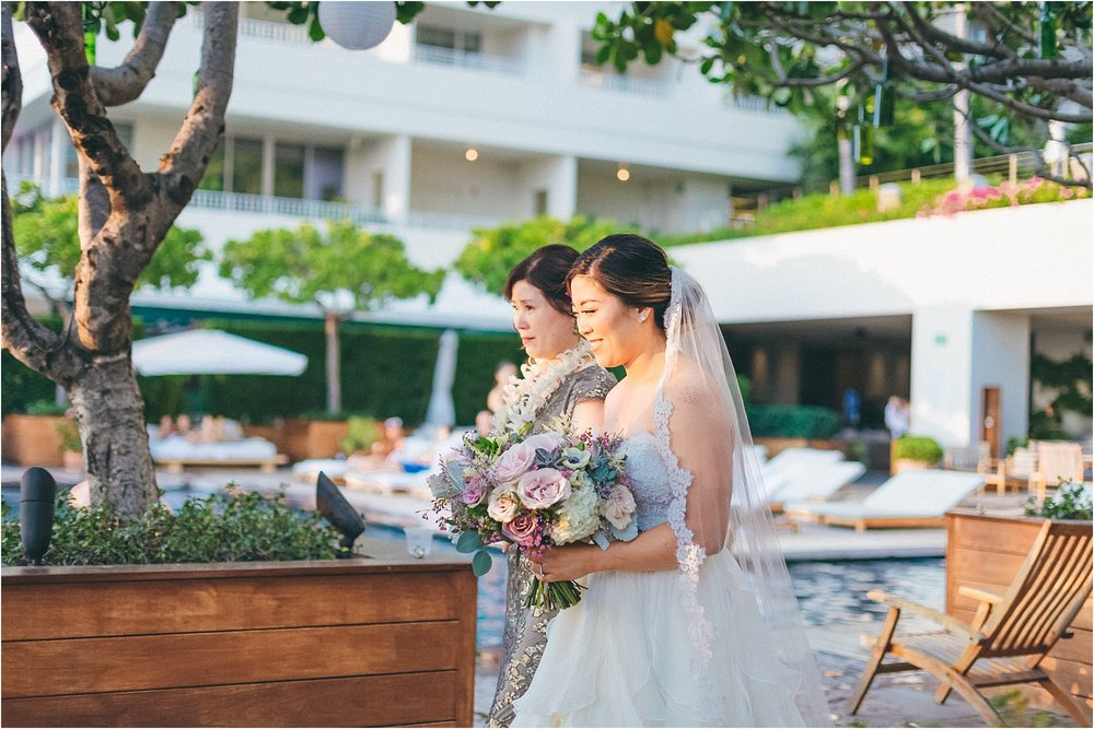 angie-diaz-photography-modern-honolulu-oahu-destination-wedding_0071.jpg