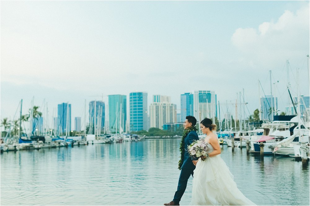angie-diaz-photography-modern-honolulu-oahu-destination-wedding_0088.jpg