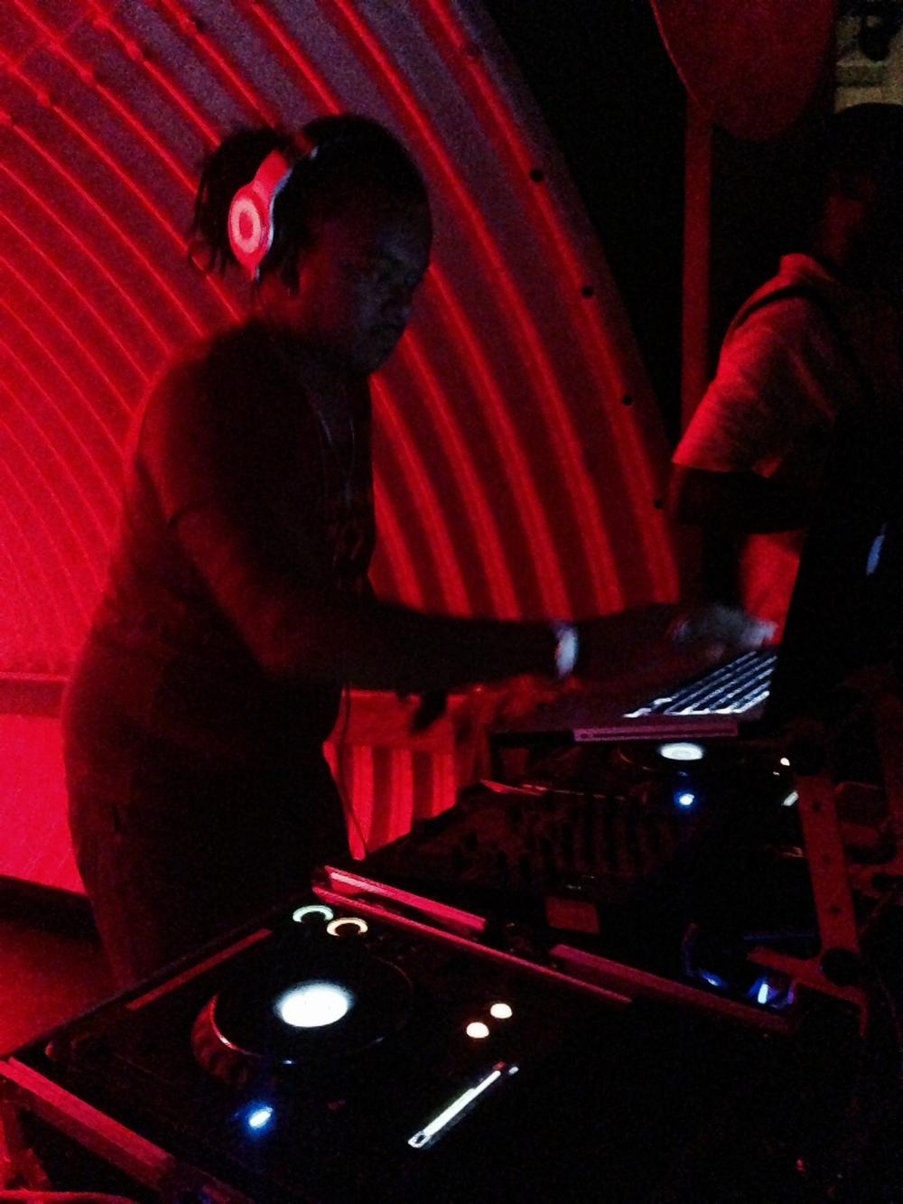 DJ Back to Basics killing it at Verve