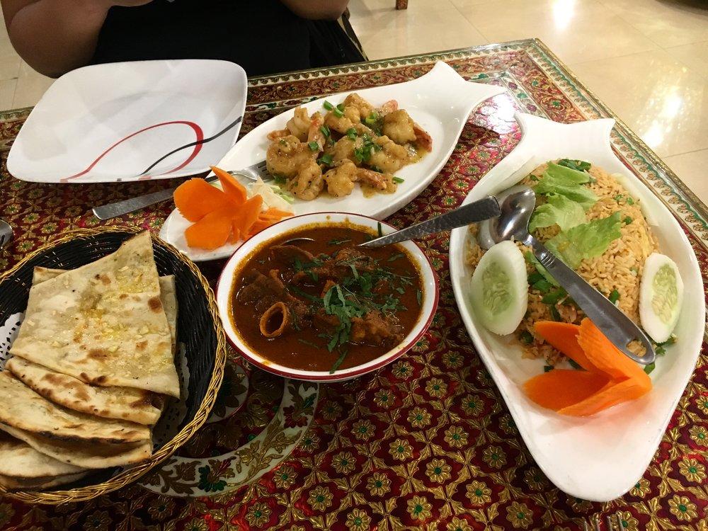 Dinner at Maharaja Palace