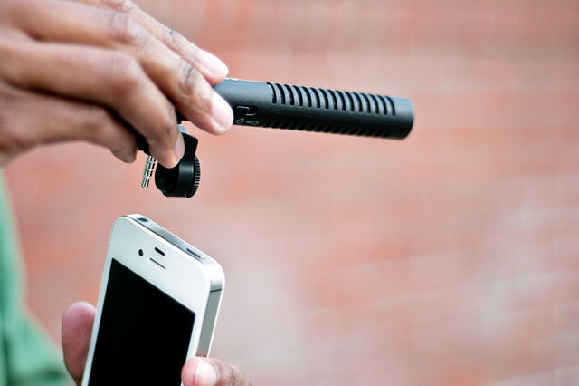 iPhone Boom Mic gives you better sound for $40   By Andrew Webster,  theverge.com    The iPhone works pret­ty well as a sub­sti­tute voice recorder, but if you're look­ing for bet­ter audio qual­i­ty while shoot­ing video or doing inter­views, you can now plug a boom mic into your smart­phone. The 4-inch long device,…