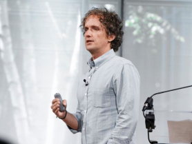 "Videos Behance, the99percent.com ""Start with ques­tions, not answers,"" says vision­ary design­er Yves Béhar in this in-depth 99% talk on his seven prin­ci­ples for ""holis­tic making."" If no one is call­ing you ""crazy,"" you're prob­a­bly not think­ing big enough. Endeav­or CEO… Yes."