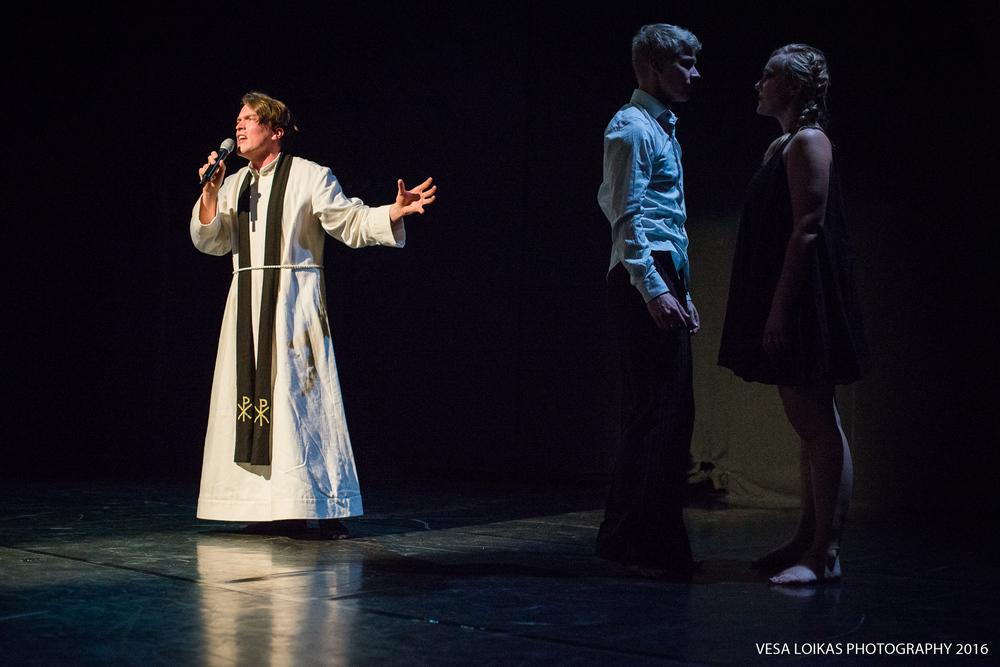 I'm in love with a demon  - song: Teemu Alanen Dance: Assi Aalto, Jori Kaksonen, Jatta Pulmunen & Viktoria Radin