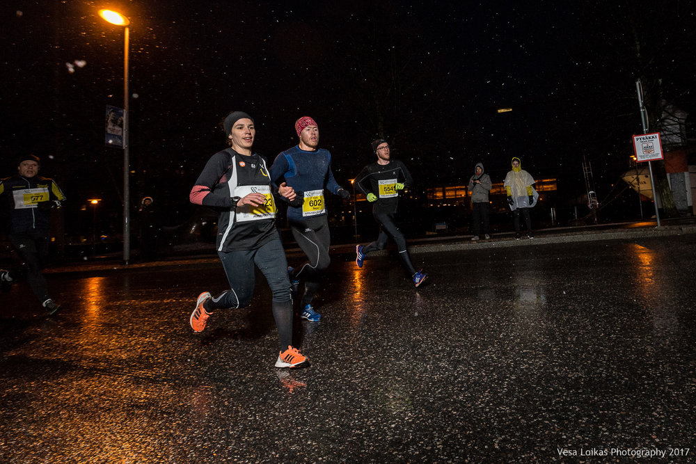 013_Aurajoen_Yojuoksu-2017_MIDRACE_photo_VESA_LOIKAS_PHOTOGRAPHY.jpg