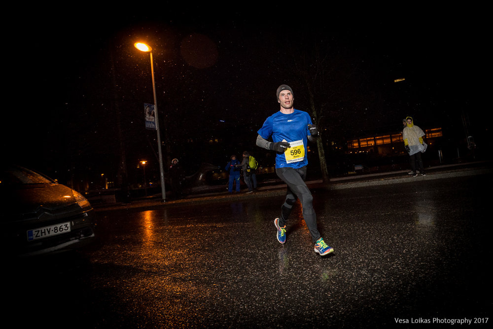 014_Aurajoen_Yojuoksu-2017_MIDRACE_photo_VESA_LOIKAS_PHOTOGRAPHY.jpg