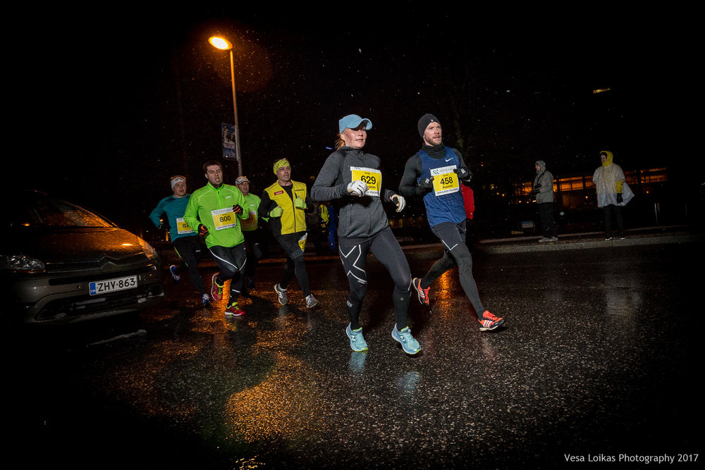 027_Aurajoen_Yojuoksu-2017_MIDRACE_photo_VESA_LOIKAS_PHOTOGRAPHY.jpg