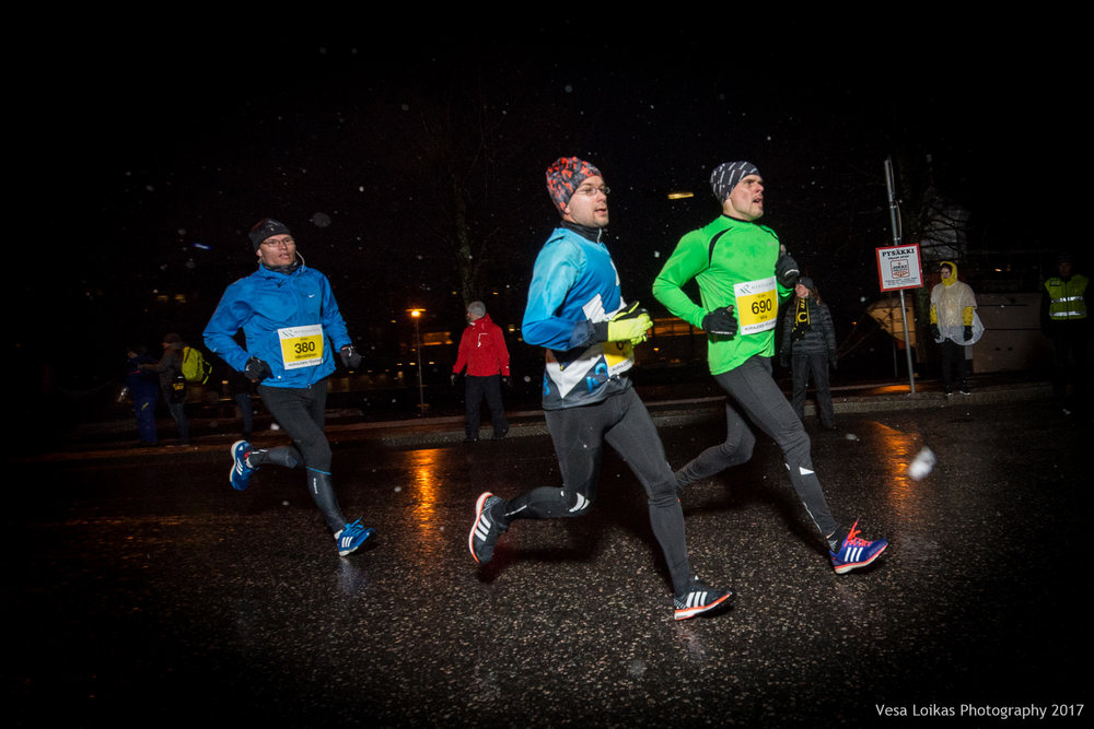 035_Aurajoen_Yojuoksu-2017_MIDRACE_photo_VESA_LOIKAS_PHOTOGRAPHY.jpg