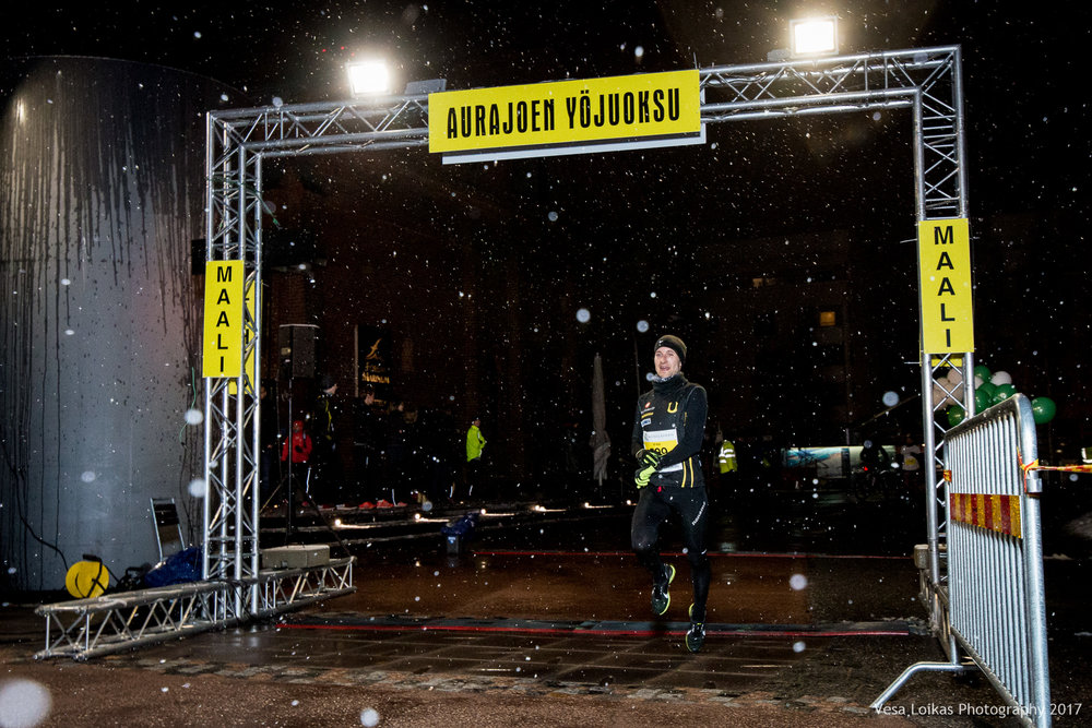 004_Aurajoen_Yojuoksu-2017_FINISH_photo_VESA_LOIKAS_PHOTOGRAPHY.jpg