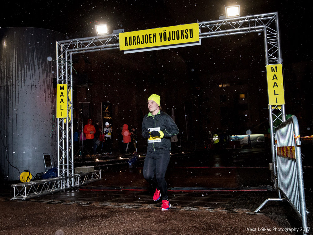 010_Aurajoen_Yojuoksu-2017_FINISH_photo_VESA_LOIKAS_PHOTOGRAPHY.jpg