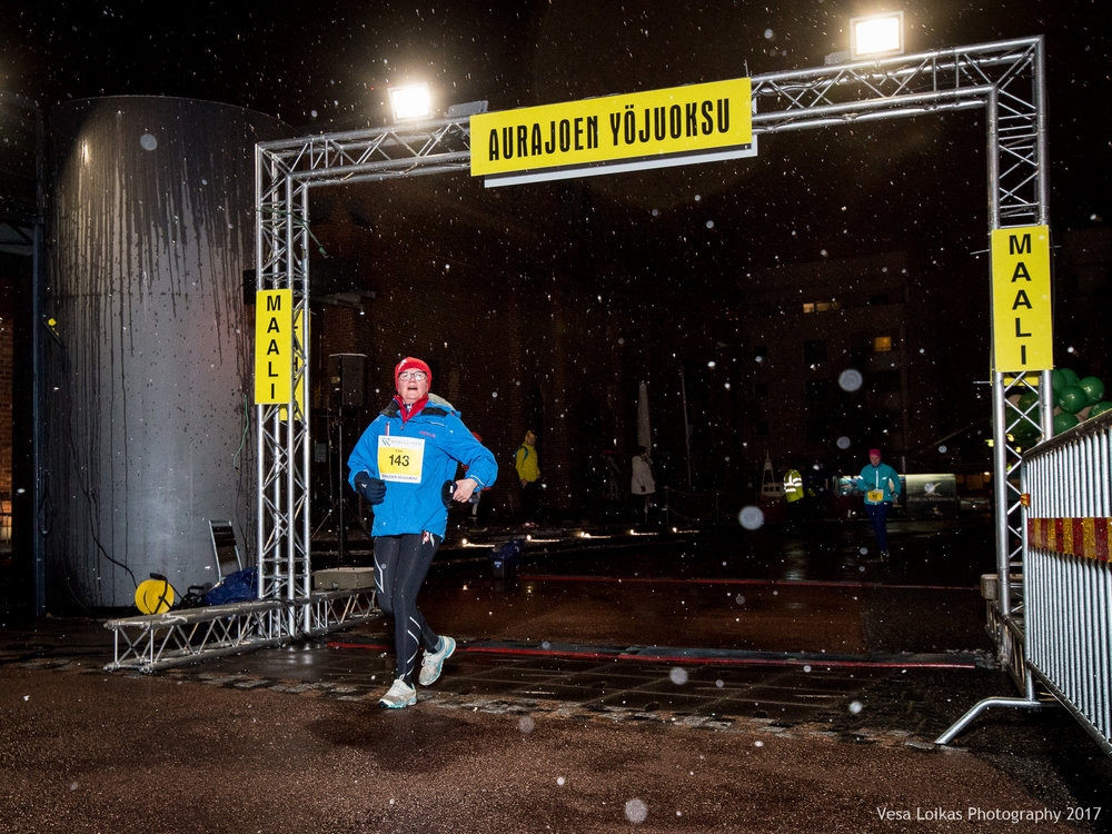 012_Aurajoen_Yojuoksu-2017_FINISH_photo_VESA_LOIKAS_PHOTOGRAPHY.jpg