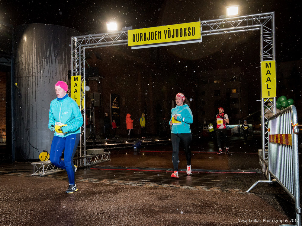 013_Aurajoen_Yojuoksu-2017_FINISH_photo_VESA_LOIKAS_PHOTOGRAPHY.jpg