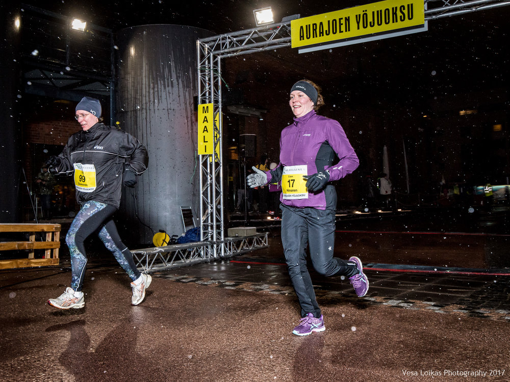 025_Aurajoen_Yojuoksu-2017_FINISH_photo_VESA_LOIKAS_PHOTOGRAPHY.jpg