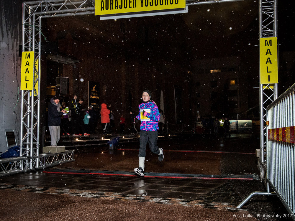027_Aurajoen_Yojuoksu-2017_FINISH_photo_VESA_LOIKAS_PHOTOGRAPHY.jpg