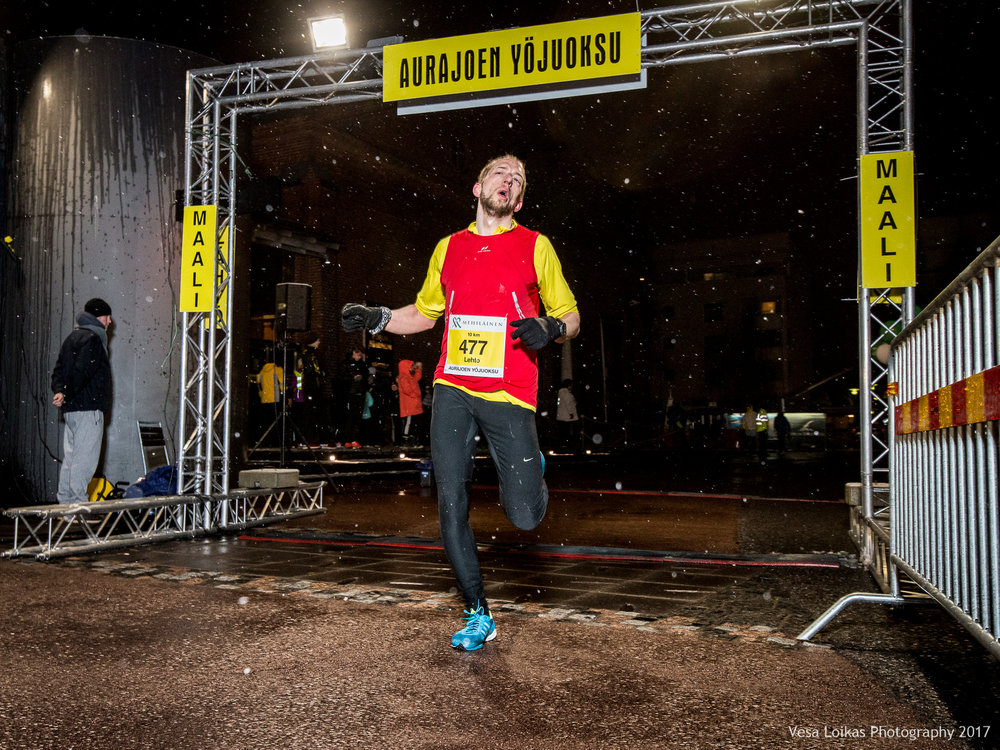 031_Aurajoen_Yojuoksu-2017_FINISH_photo_VESA_LOIKAS_PHOTOGRAPHY.jpg