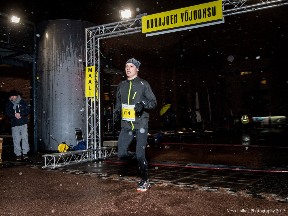 040_Aurajoen_Yojuoksu-2017_FINISH_photo_VESA_LOIKAS_PHOTOGRAPHY.jpg