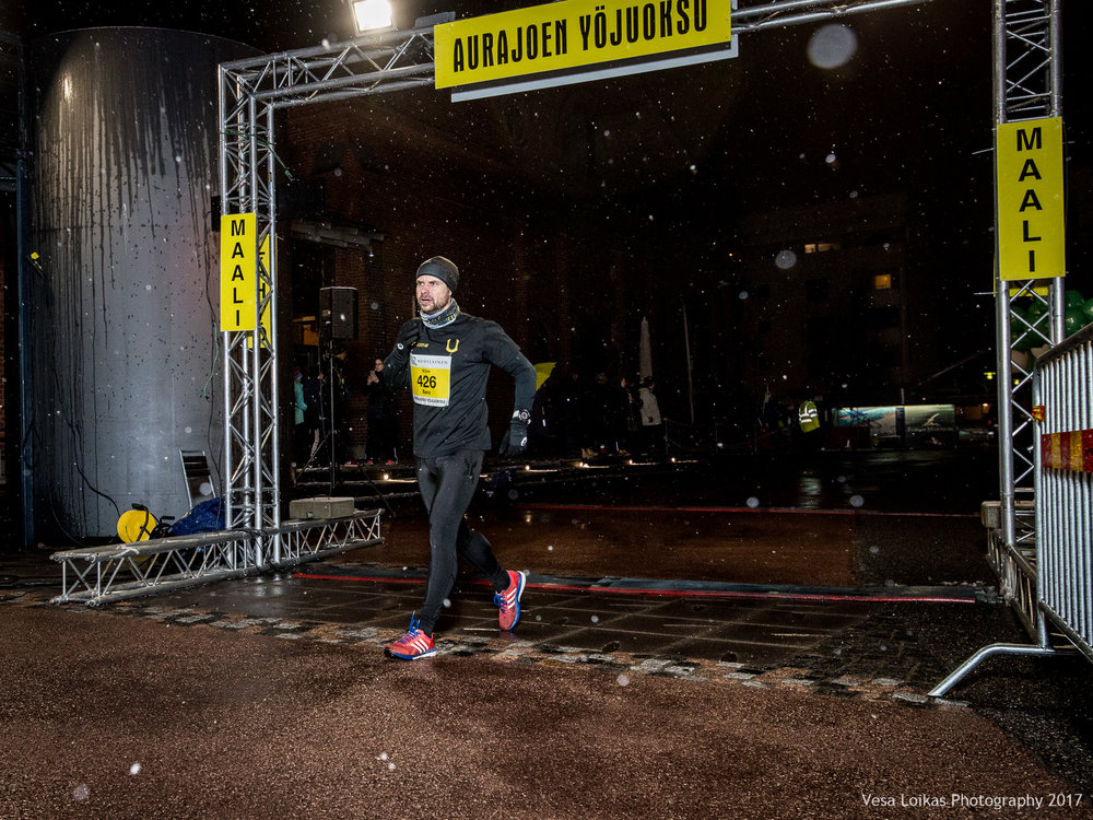 042_Aurajoen_Yojuoksu-2017_FINISH_photo_VESA_LOIKAS_PHOTOGRAPHY.jpg