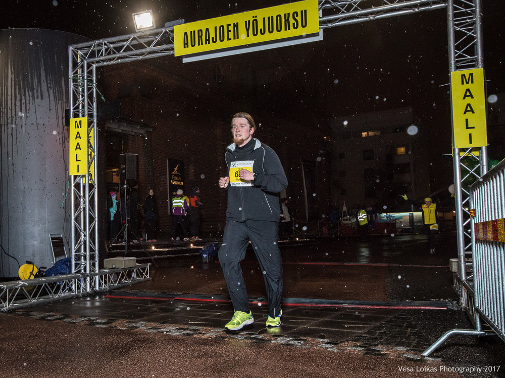 053_Aurajoen_Yojuoksu-2017_FINISH_photo_VESA_LOIKAS_PHOTOGRAPHY.jpg