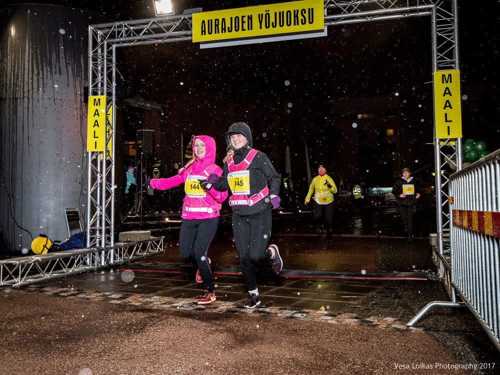 056_Aurajoen_Yojuoksu-2017_FINISH_photo_VESA_LOIKAS_PHOTOGRAPHY.jpg
