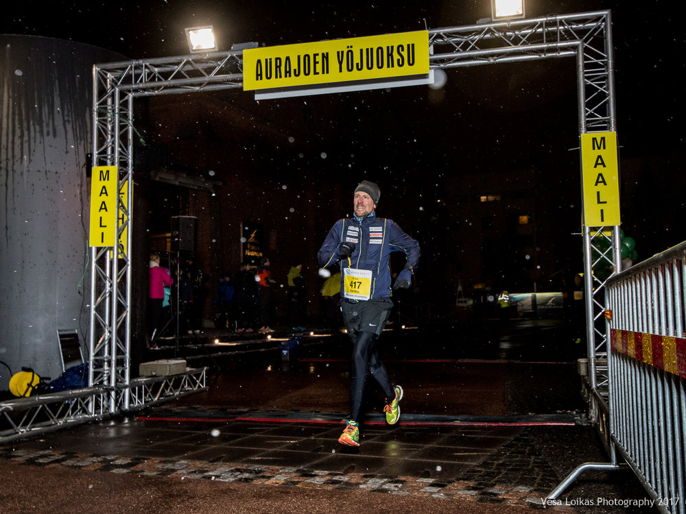 063_Aurajoen_Yojuoksu-2017_FINISH_photo_VESA_LOIKAS_PHOTOGRAPHY.jpg
