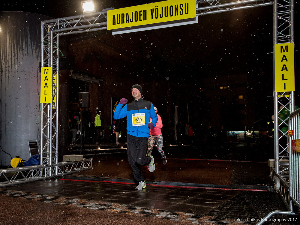 083_Aurajoen_Yojuoksu-2017_FINISH_photo_VESA_LOIKAS_PHOTOGRAPHY.jpg