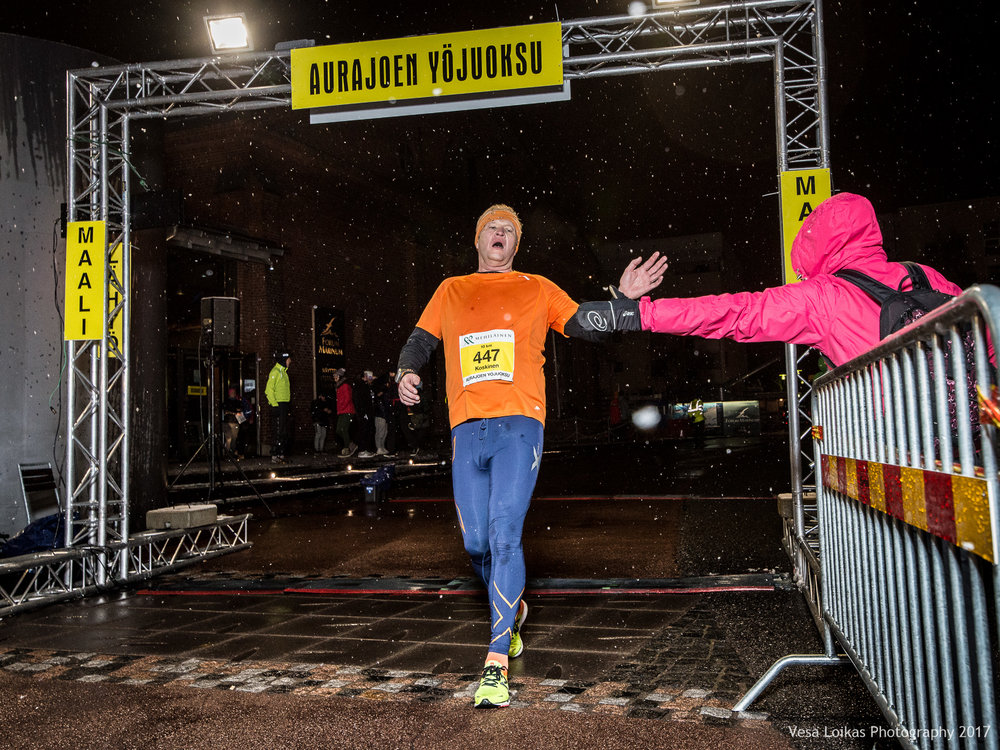 088_Aurajoen_Yojuoksu-2017_FINISH_photo_VESA_LOIKAS_PHOTOGRAPHY.jpg