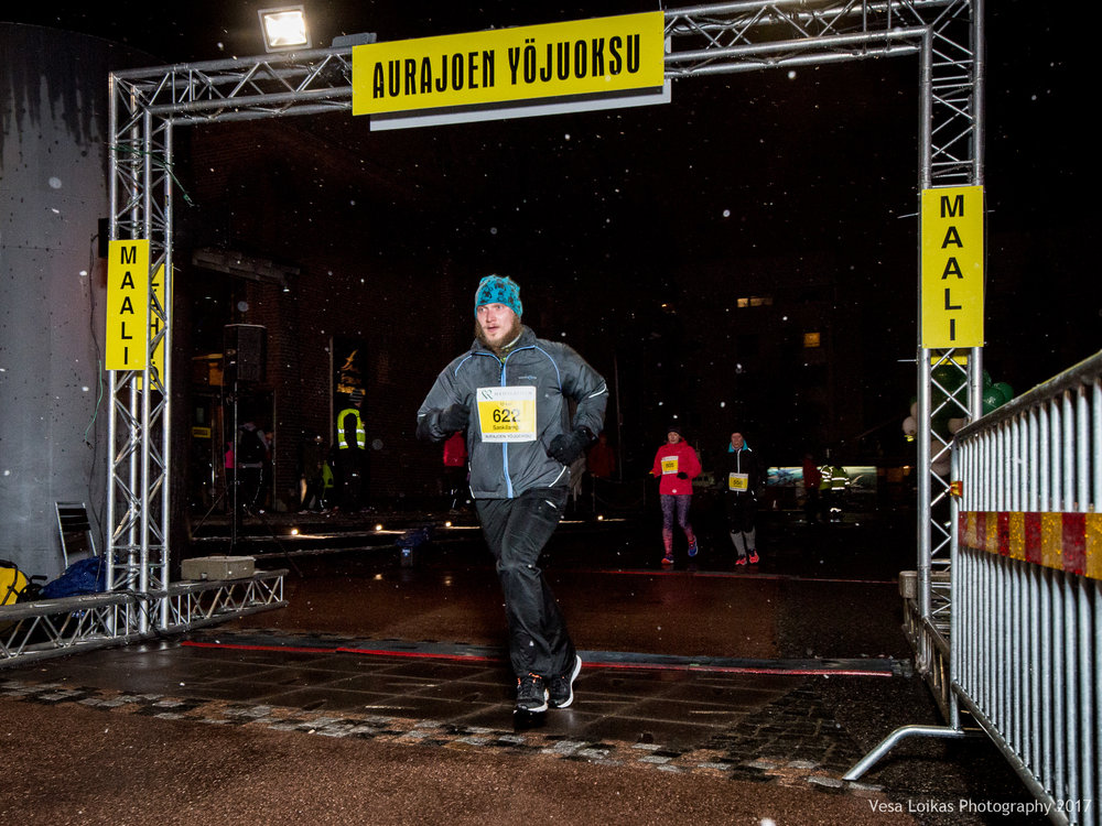 141_Aurajoen_Yojuoksu-2017_FINISH_photo_VESA_LOIKAS_PHOTOGRAPHY.jpg