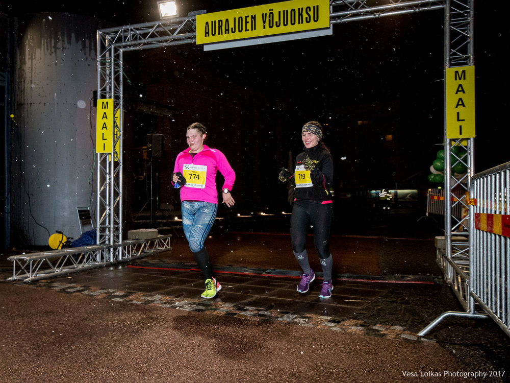 156_Aurajoen_Yojuoksu-2017_FINISH_photo_VESA_LOIKAS_PHOTOGRAPHY.jpg