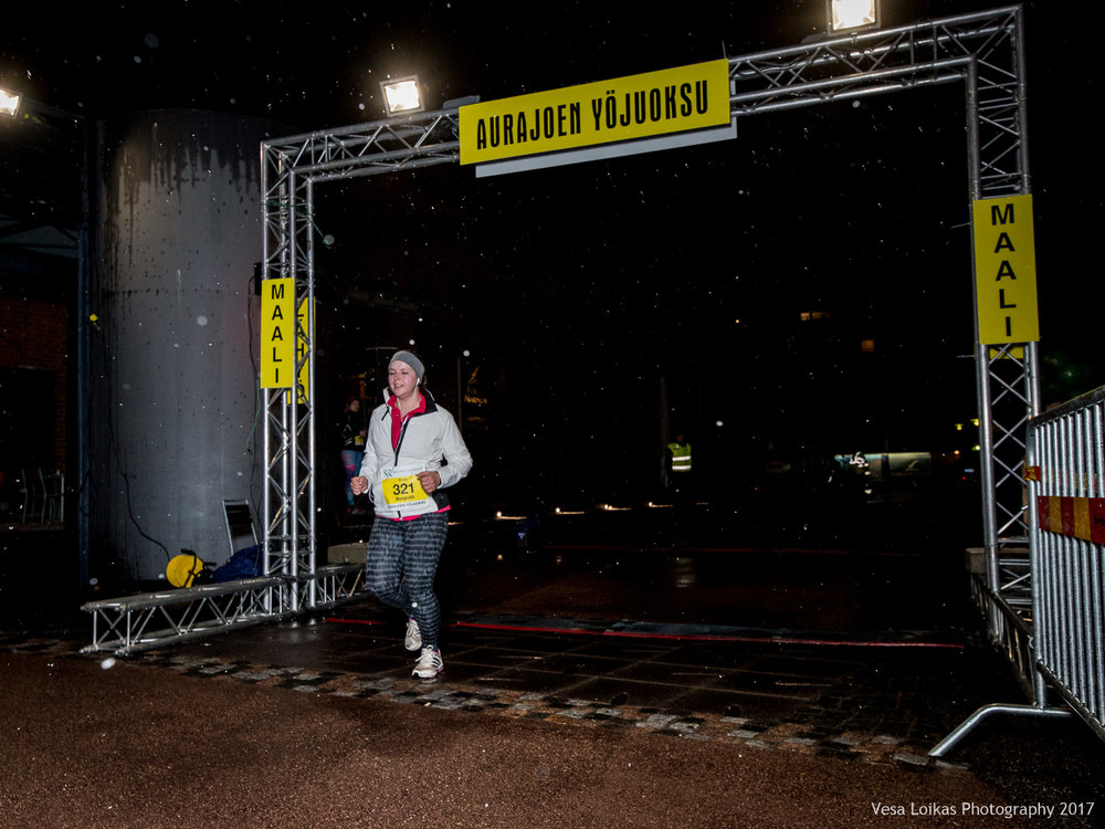 157_Aurajoen_Yojuoksu-2017_FINISH_photo_VESA_LOIKAS_PHOTOGRAPHY.jpg