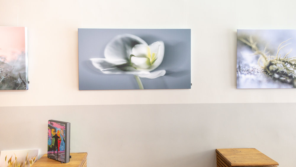 ORCHID 70 x 130 cm / HYSSNY FACET  available on location or online - signature edition 800€ (+ alv. 24%)  info@kurkidecoration.fi