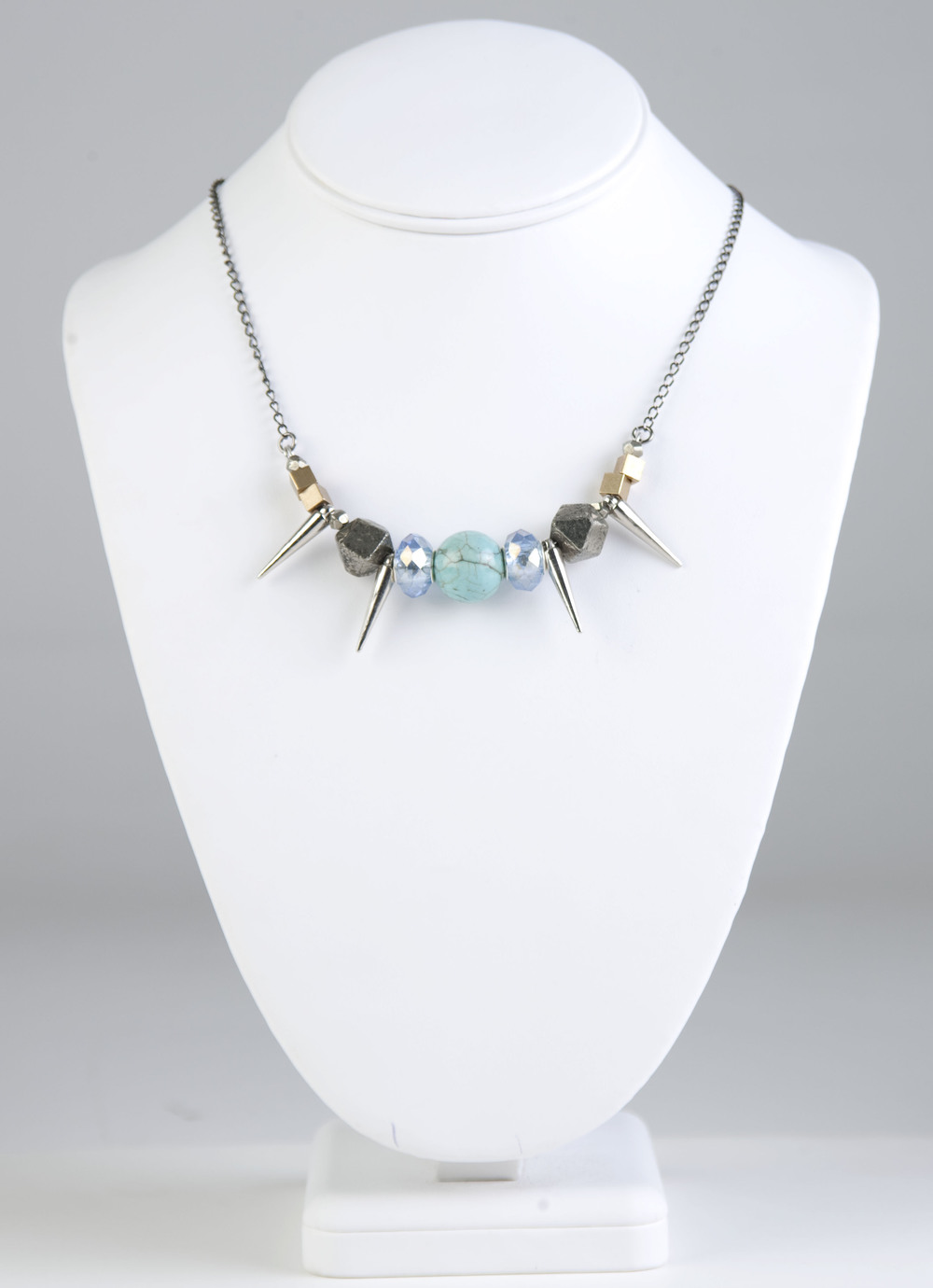 8020spike necklace 1.jpg