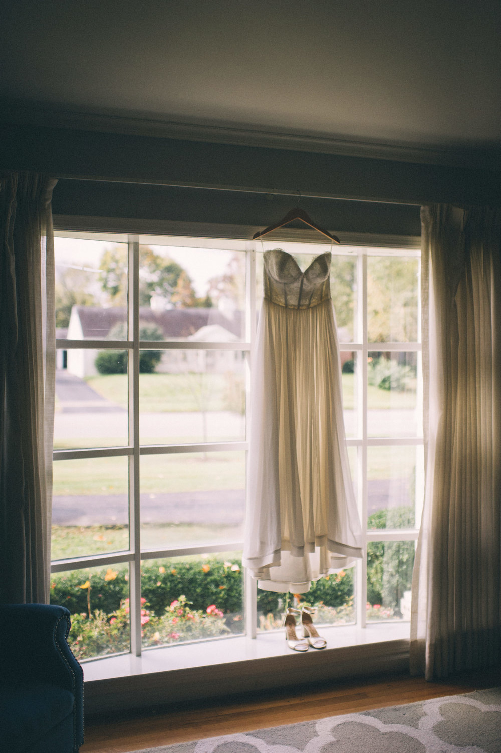 Micaha & Austin // Cozy Autumn Wedding at Springhouse Gardens // Lexington, Kentucky // Wedding Photography // Dress