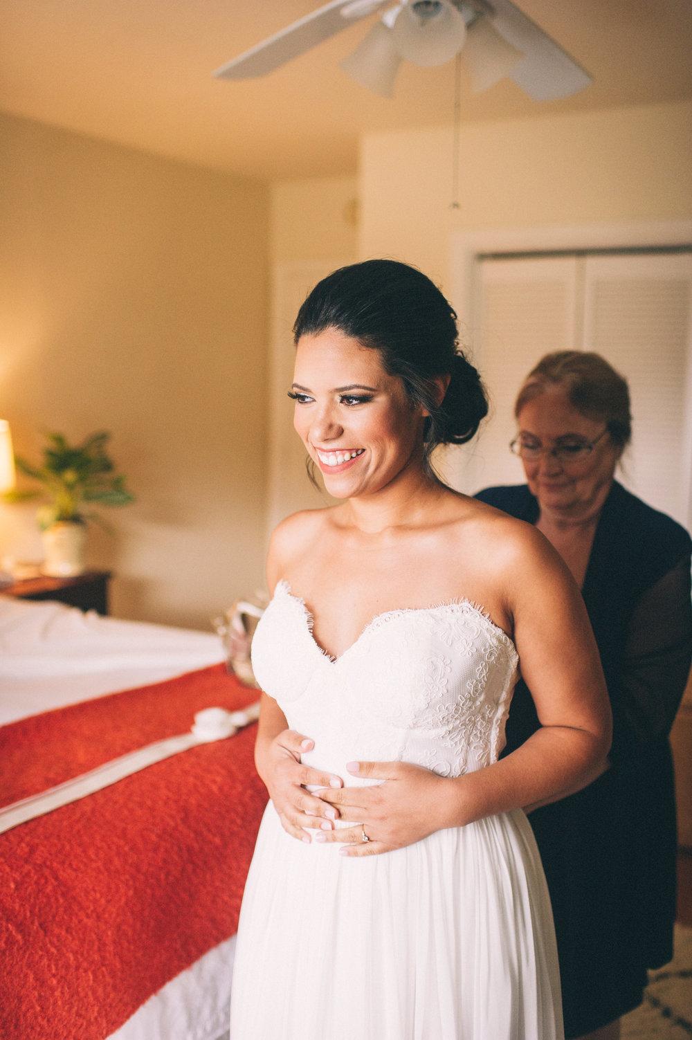 Micaha & Austin // Cozy Autumn Wedding at Springhouse Gardens // Lexington, Kentucky // Wedding Photography // Getting Into Dress