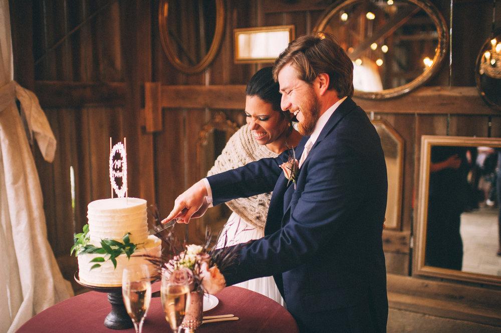 Micaha & Austin // Cozy Autumn Wedding at Springhouse Gardens // Lexington, Kentucky // Wedding Photography // Reception