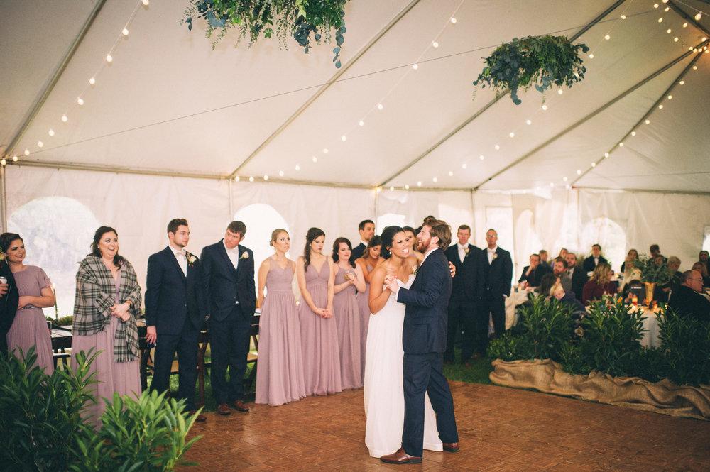 Micaha & Austin // Cozy Autumn Wedding at Springhouse Gardens // Lexington, Kentucky // Wedding Photography // Reception // First Dance