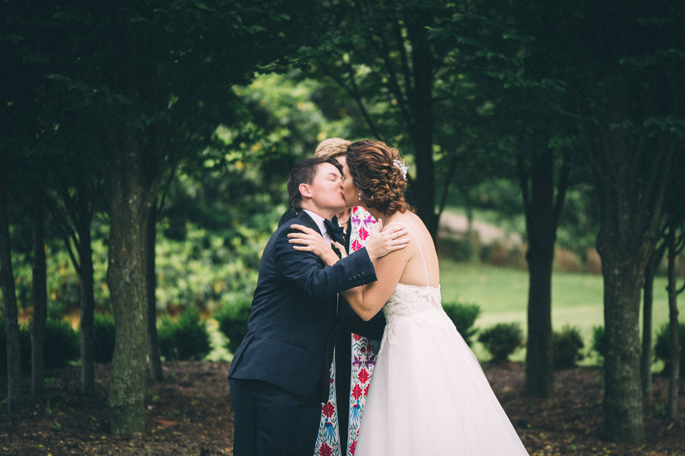 Elle & Suzy // Spring Wedding at the Lincliffe Estate // LGBTQ Kentucky Wedding Photographer // Louisville Engagement Photography // Ceremony