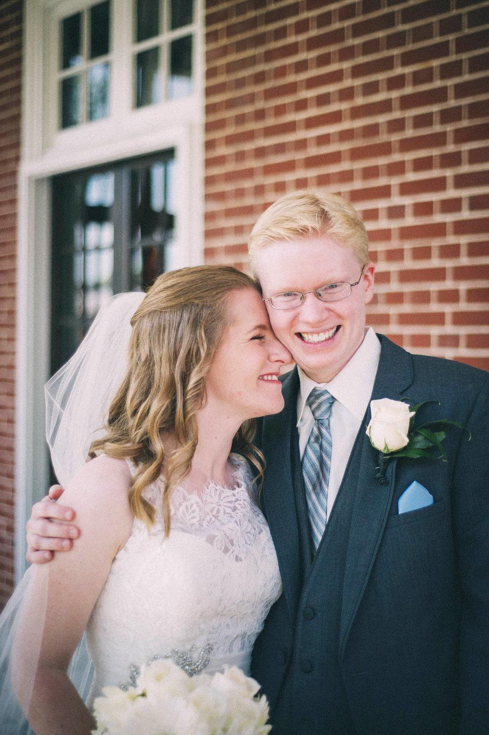 Jenna-Patrick-Garden-Court-Presbyterian-Seminary-Wedding-Louisville-Kentucky-Sarah-Katherine-Davis-Photography-60.jpg