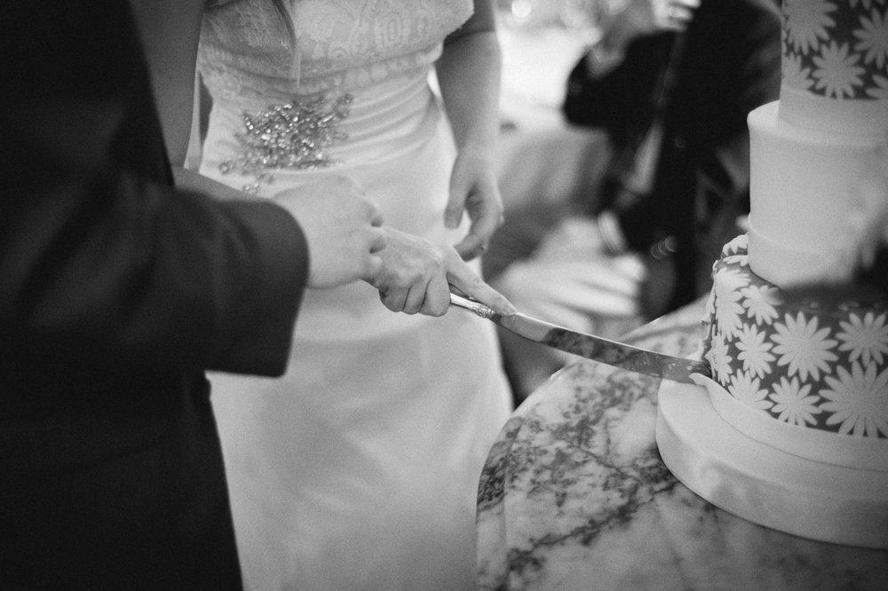 Jenna-Patrick-Garden-Court-Presbyterian-Seminary-Wedding-Louisville-Kentucky-Sarah-Katherine-Davis-Photography-84.jpg