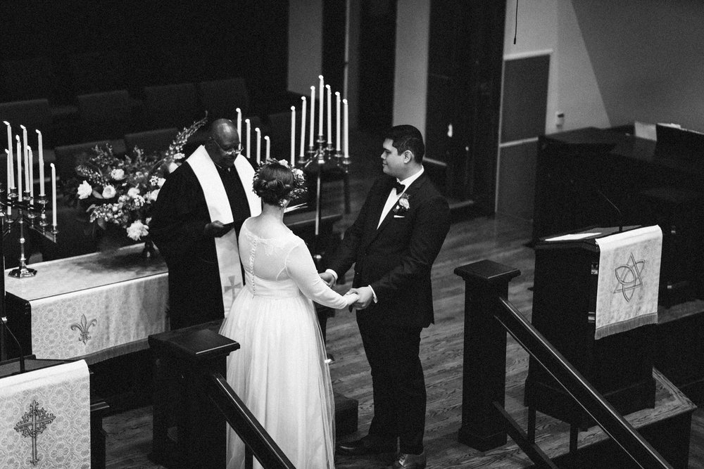 lauren-dean-wedding-grand-lodge-kentucky-sarah-katherine-davis-photography-338bw.jpg
