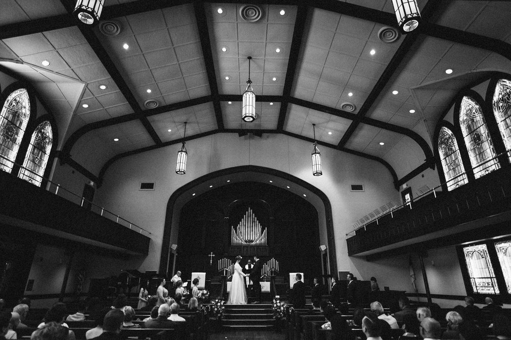 lauren-dean-wedding-grand-lodge-kentucky-sarah-katherine-davis-photography-351bw.jpg
