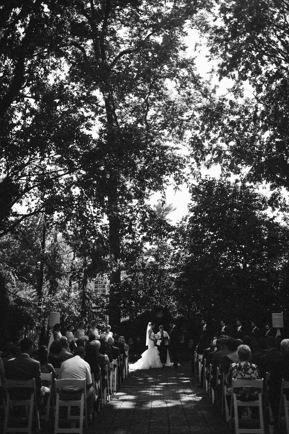Louisville-Kentucky-Wedding-Elopement-Photographer-Sarah-Katherine-Davis-Photography-Whitehall-Classic-Timeless-Garden-Wedding-341.jpg